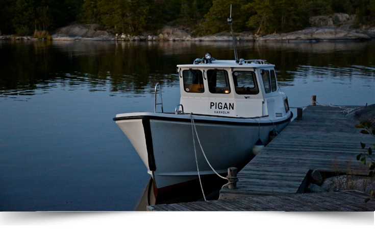 Namndekal till båt